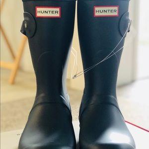 Short Matte Navy Original Hunter Boots, Size 9